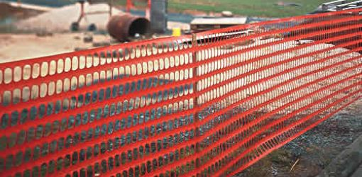 Barrier mesh fencing